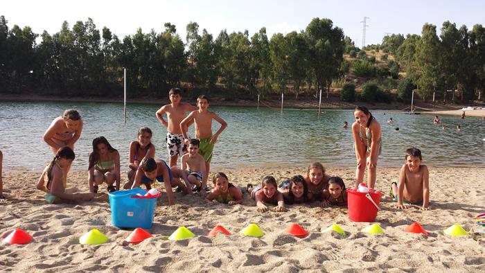 Disfruta este verano de la Playa Isla del Zujar, todas sus actividades y chiringuito
